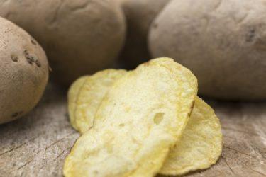 じゃがいもを揚げると体に悪い?ポテトチップスは食べて大丈夫なのか。